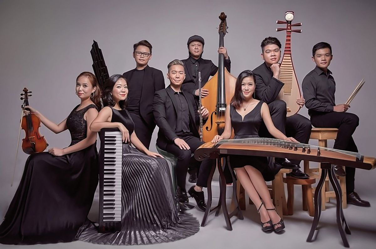 Malaysia's fusion ensemble 'Eight-Twelve' deftly brings together elements of Chinese and Western music to create innovative compositions.