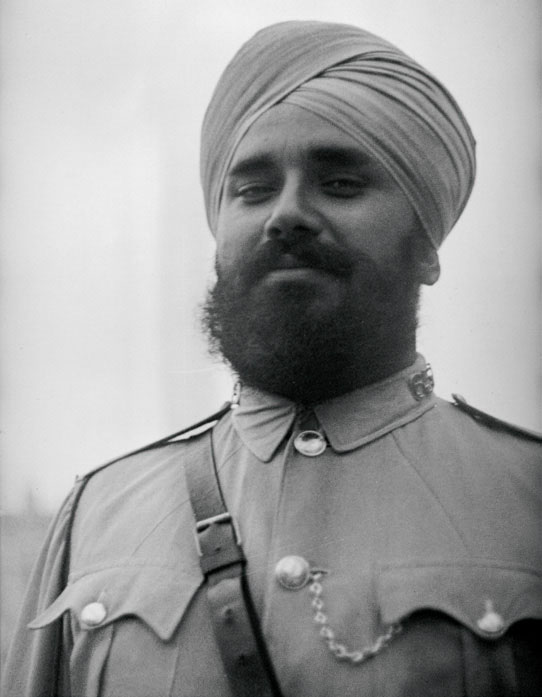 Sikh policeman, Shanghai Municipal Police, 1937. Ro-n0266. © 2012 Mei-Fei Elrick and Tess Johnston; Historical Photographs of China.