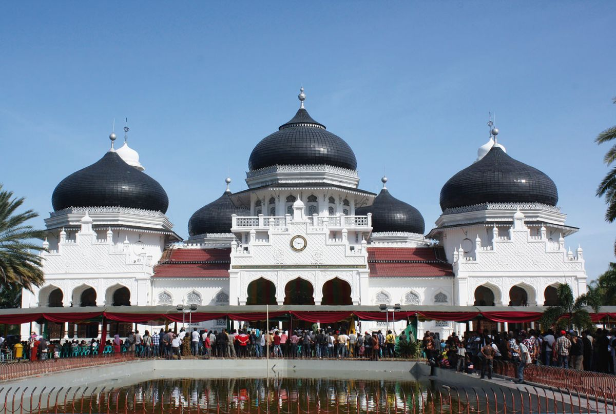 The Baiturrahman Grand Mosque, Banda Aceh, Indonesia. Photo by author.