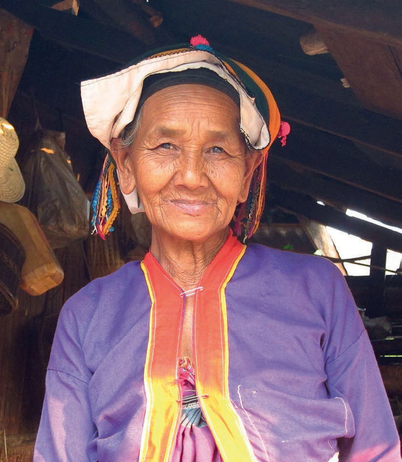 Palaung Woman. Image reproduced under a creative commons license courtesy of Fabulousfabs on flickr.